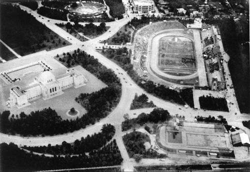 明治神宮外苑の競技施設全景